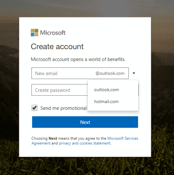Chọn Outlook, sau đó bạn nhập tên email muốn hiển thị, rồi điền mật khẩu