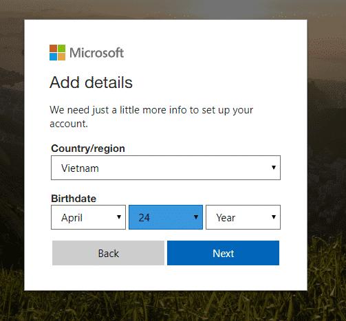 Điền đầy đủ thông tin cá nhân để tạo tài khoản Outlook