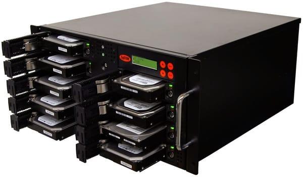 Ổ cứng máy chủ có chức năng lưu trữ dữ liệu dưới hình thức bộ nhớ ngoài, lưu trữ các phần mềm, các hệ điều hành và dữ liệu khác của hệ thống