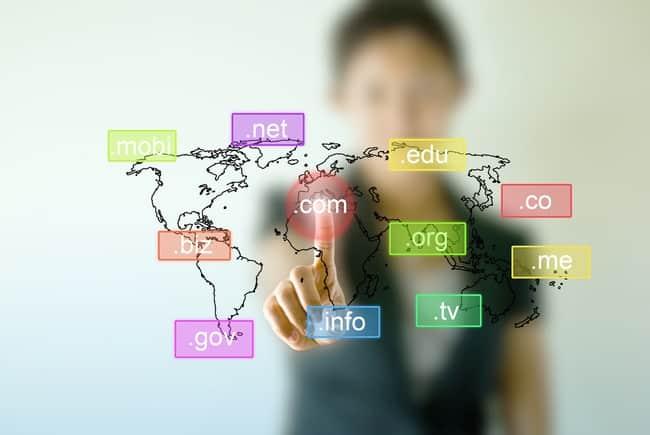 Domain là địa chỉ bằng tên của website trên internet, nó thay thế cho địa chỉ số IP