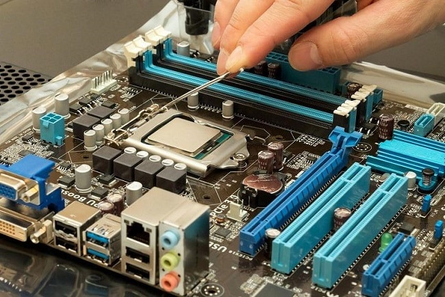 CPU chịu trách nhiệm thực thi các lệnh trong các chương trình, giúp cho máy tính của chạy nhanh hơn