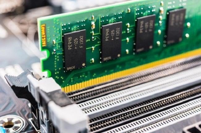 Laptop thường có mức tối thiểu là 1GB RAM