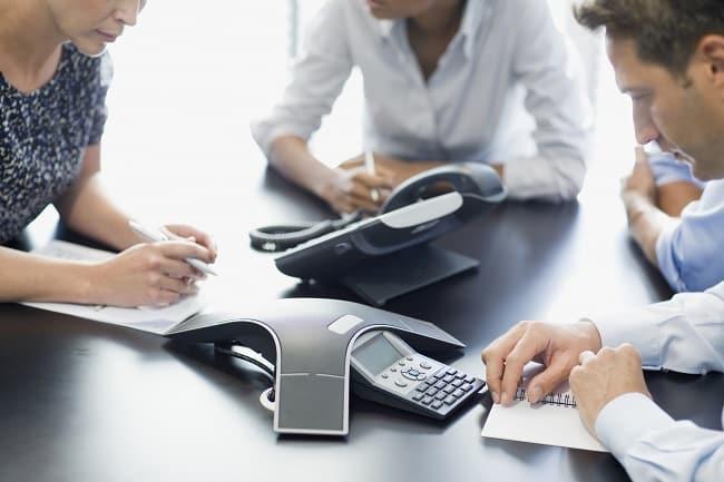Tổng đài nội bộ là một thiết bị đầu cuối kết nối những cuộc gọi liên lạc với nhau
